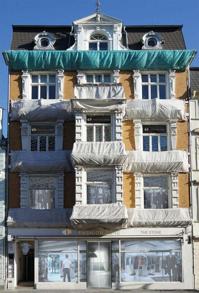 Das Gebäude im Herzen der Hansestadt Rostock, wo der FASHION.ZONE Store Einzug halten wird.  (obs/adcada GmbH)