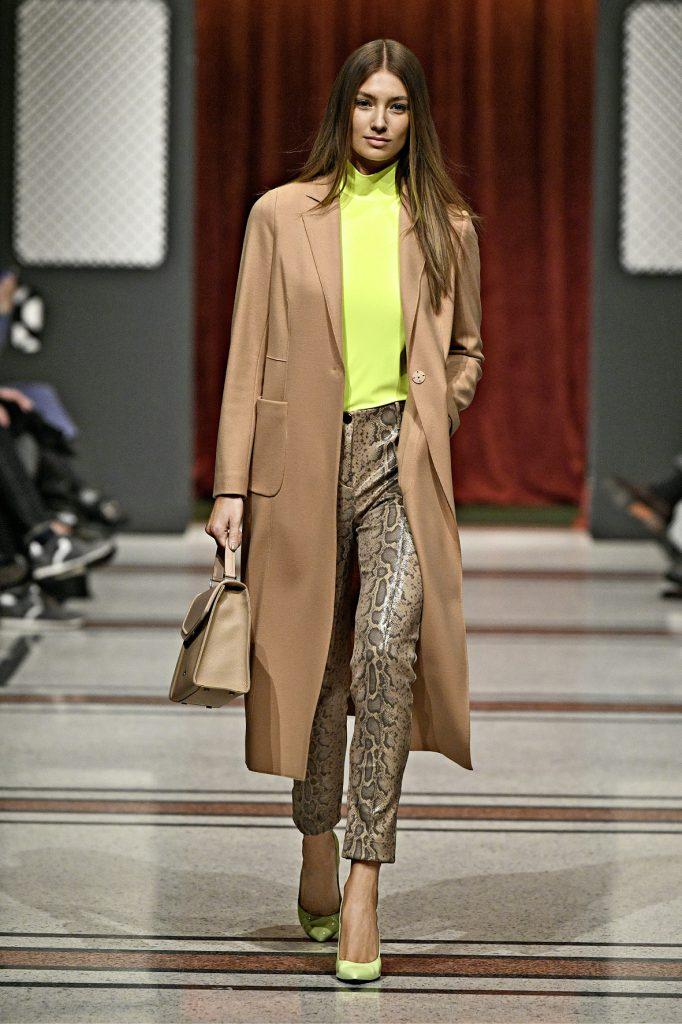 Supermodel Lorena Rae eröffnet die Fashion Show von Marc Cain. (obs/Marc Cain GmbH)