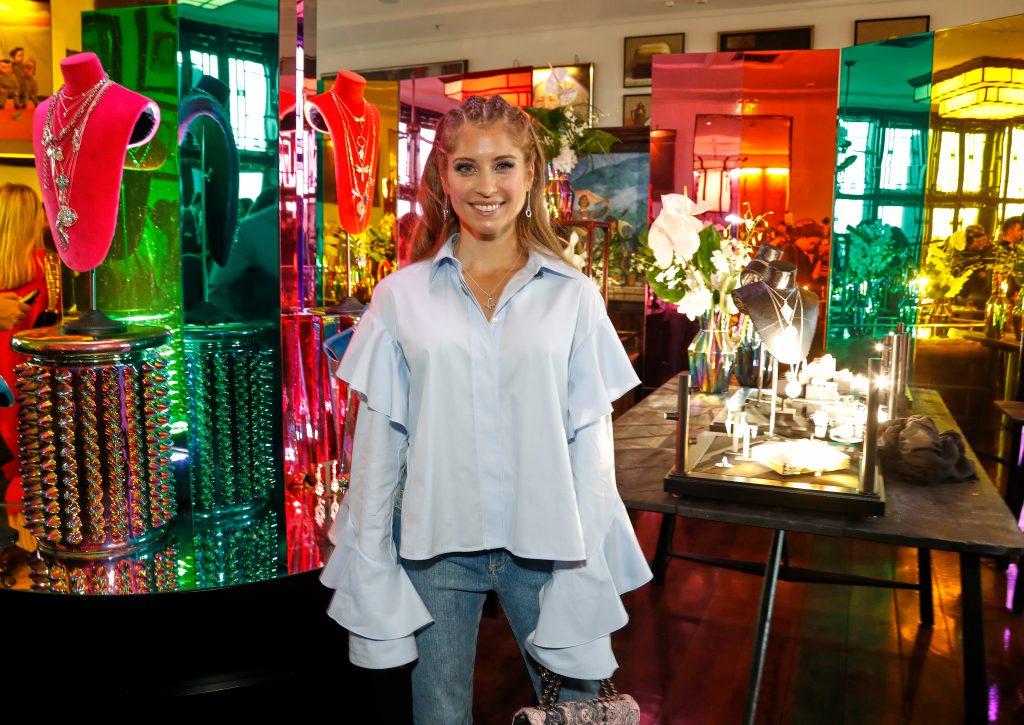 THOMAS SABO begeistert mit Frühjahr/Sommer-Designs Presse und Prominente in Berlin. Im Bild: Model Cathy Hummels während des Events.  (obs/THOMAS SABO GmbH & Co.KG/Petra Stadler)